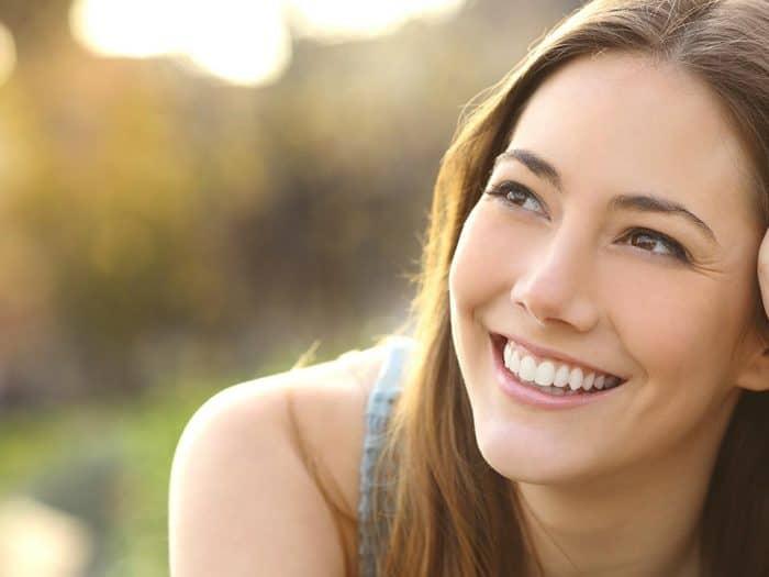 Este verano luce sonrisa con tus carillas dentales